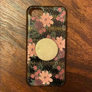 iPhone 7 case with gold pop socket